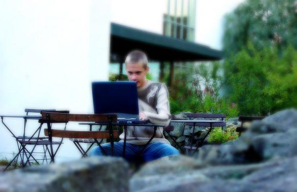 Jaki wiek jest odpowiedni na rozpoczęcie kursu komputerowego?